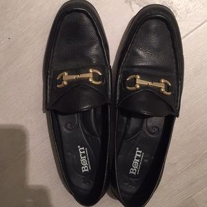 Women's black leather loafers. Size 7 1/2.